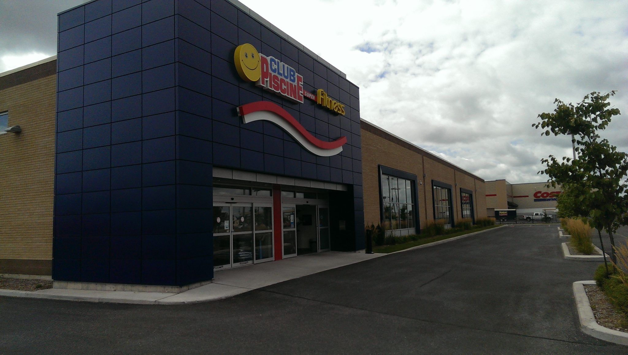 Commercial industriel groupe pellam b tisseurs inc for Club piscine drummondville